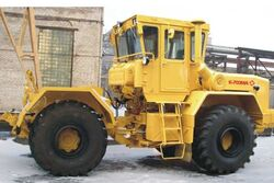 Kirovets K-703MA 4WD.jpg