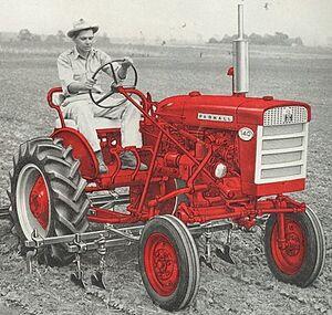 McCormick Farmall 140 1958.jpg