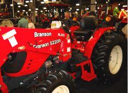 Branson 5220R MFWD-2011.jpg