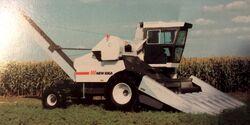 New Idea 839 Husker - 1985.jpg