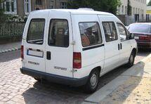 Peugeot Expert white rear.jpg