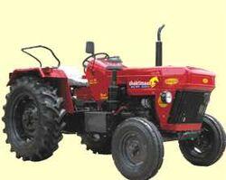 Mahindra Gujarat MG 804-2004.jpg