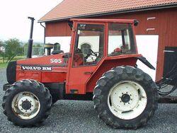 Volvo BM 505 MFWD - 1985.jpg