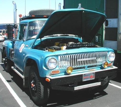 International D-1200 4x4