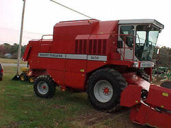 MF 8450 combine (Claas) - 1993.jpg