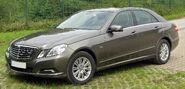 Mercedes E 350 CDI BlueEFFICIENCY Elegance (W212) front-1 20100822