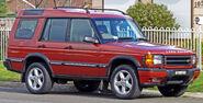 1999-2002 Land Rover Discovery II V8 5-door wagon 01