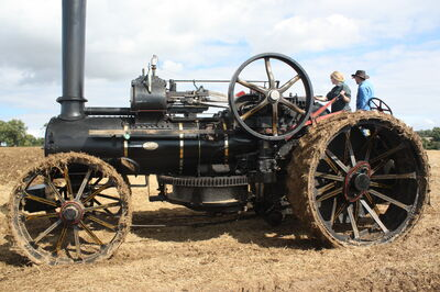 Fowler engine 15670 at the bottom of the field