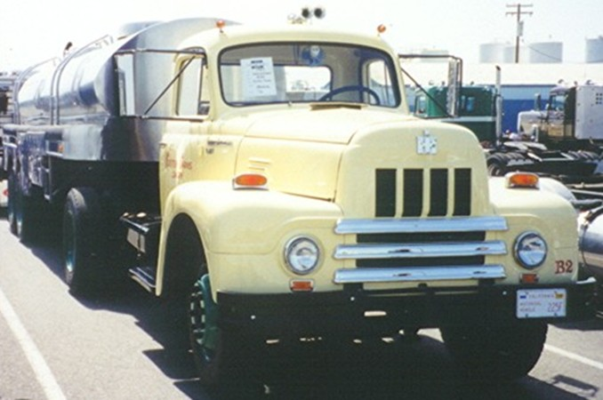 International R-185