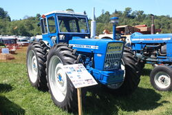 County 754 - OFL 247J with Duncan cab at belvoir 2010 - IMG 2919.jpg