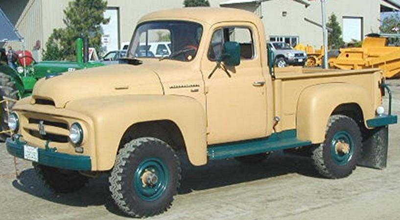 International R-120 4x4