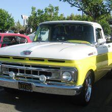 1961 Ford F-100 Pickup.jpg
