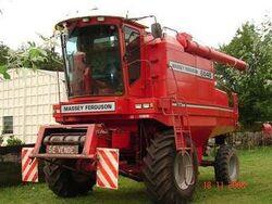 MF 6845 combine - 1994.jpg