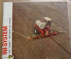 New Idea Uni-System planter brochure.jpg