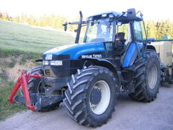 New Holland TM 165 6055.JPG
