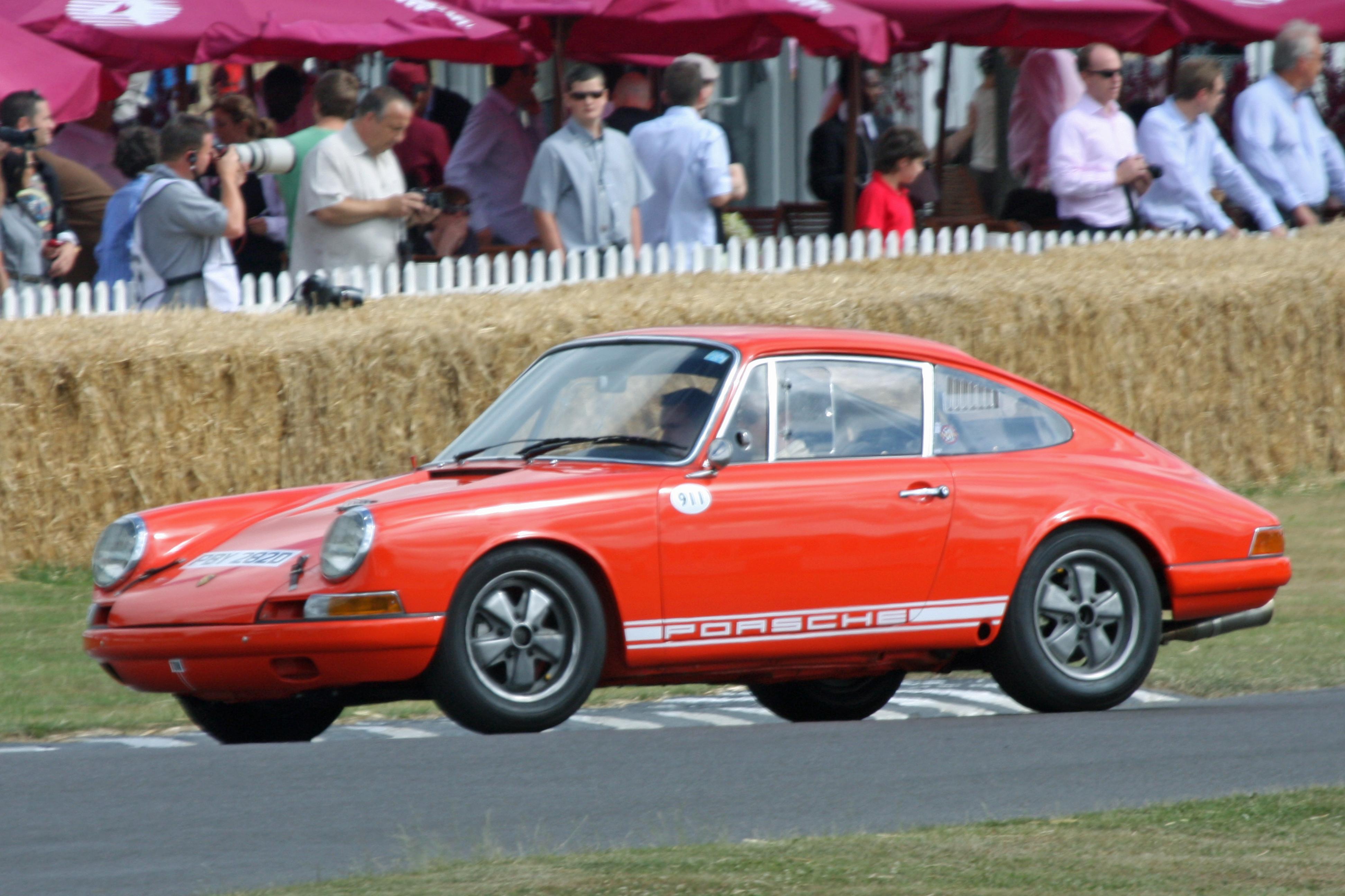 1967 Porsche 911R - Flickr - exfordy.jpg