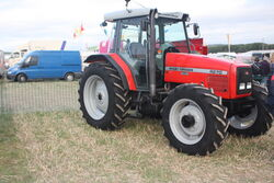 Massey Ferguson 4270 at GDSF 08 - IMG 1074.jpg