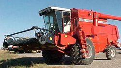 MF 8460 combine (Claas) - 1993.jpg