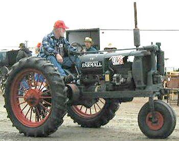 McCormick-Deering Farmall F12.jpg