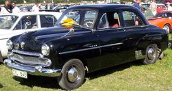 The four cylinder Vauxhall Wyvern shared its body with the six cylinder Vauxhall Velox pictured here. For both models, this 'ponton style' three box shape replaced the original design in 1951.