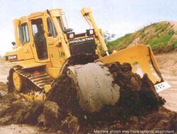 Hindustan D6H crawler-2001.jpg