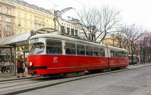 Lijn 62 Wenen Karlsplatz.JPG