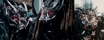 The-Dreds-Transformers-570x223.jpg