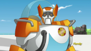 Blades looks at Bumblebee (S4E17)
