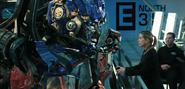 Optimus Prime praat met Charlotte Mearing