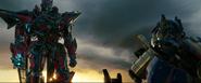 Sentinel Prime weigert Optimus Prime's aanbod