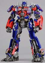 Dotm-optimusprime-toy-dmk-1.jpg