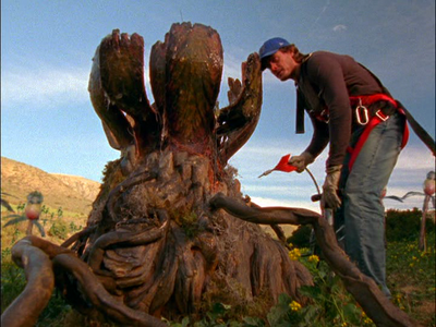 Tremors-The-Series-killer-plant-Victor-Browne.png