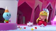 Princess Grizelda getting hit on the head of a Switcheroo