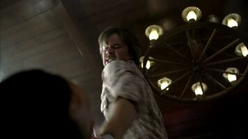 3x09 -sam gets pushed to far and beats crystal's father 2