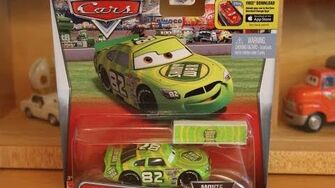 Mattel_Disney_Cars_2016_Darren_Leadfoot_with_Pit_Stop_Barrier_Movie_Moments_(Shiny_Wax_82)