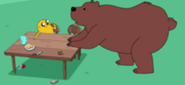 185px-S4 E7 Jake talking to bear