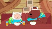 S4 E7 Finn and Bear eating cereal