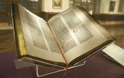 Gutenberg Bible, Lenox Copy, New York Public Library, 2009. Pic 01-2-.jpg