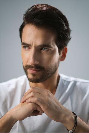 Carlos-torres-perfil.jpg