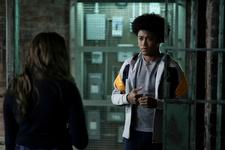 1x07 Death Keeps Knocking On My Door Hope-MG