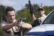 Andrew-lincoln-as-rick-grimes-the-walking-dead