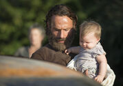 The-walking-dead-episode-511-rick-lincoln-judith-935