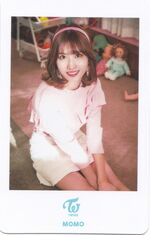 Candy Pop Showcase Photocard Momo