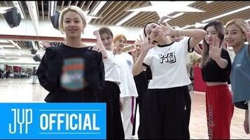 Beyond LIVE - TWICE World in A Day Preparing to meet ONCE