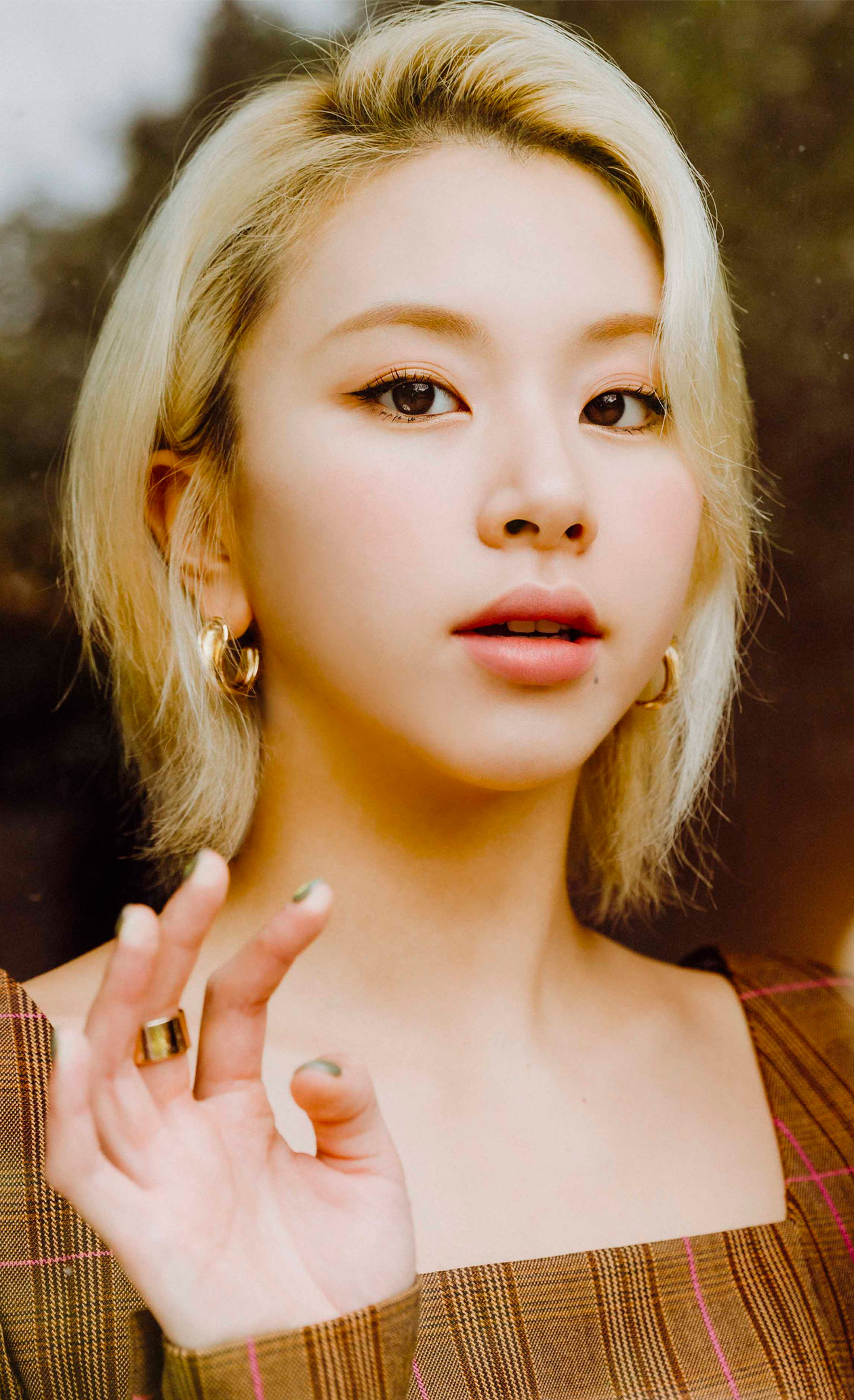 Chaeyoung sets a new trend in nail design