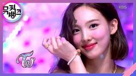 MORE & MORE - TWICE(트와이스) 뮤직뱅크 Music Bank 20200605