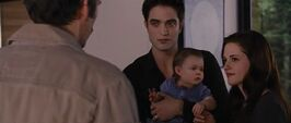 Edward-bella-renesmee-bd2