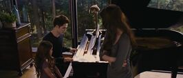 Bella-edward-renesmee-piano