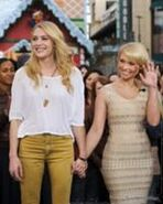 161px-TodoTwilightSaga - Myanna and Casey Extra at The Grove 12