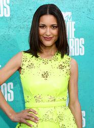 JULIA-JONES-at-MTV-Movie-Awards-2012-at-Universal-Studios-in-Los-Angeles-6